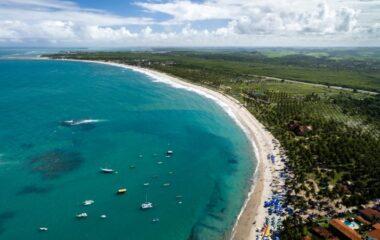 10-destinos-incriveis-no-brasil-para-viajar-no-verao-770x450